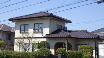 ガラッとイメージが変わりましたね♪屋根の防水もしっかりと効いて漆喰も補修しておきましたよ。